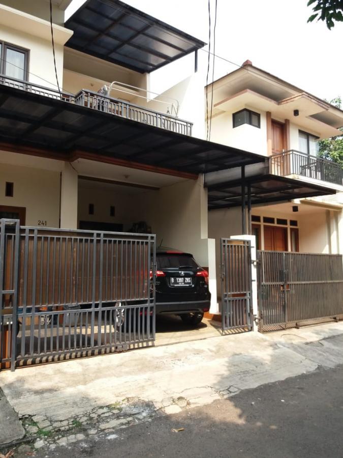 Rumah Mewah 2 unit gandeng Megapolitan Cinere