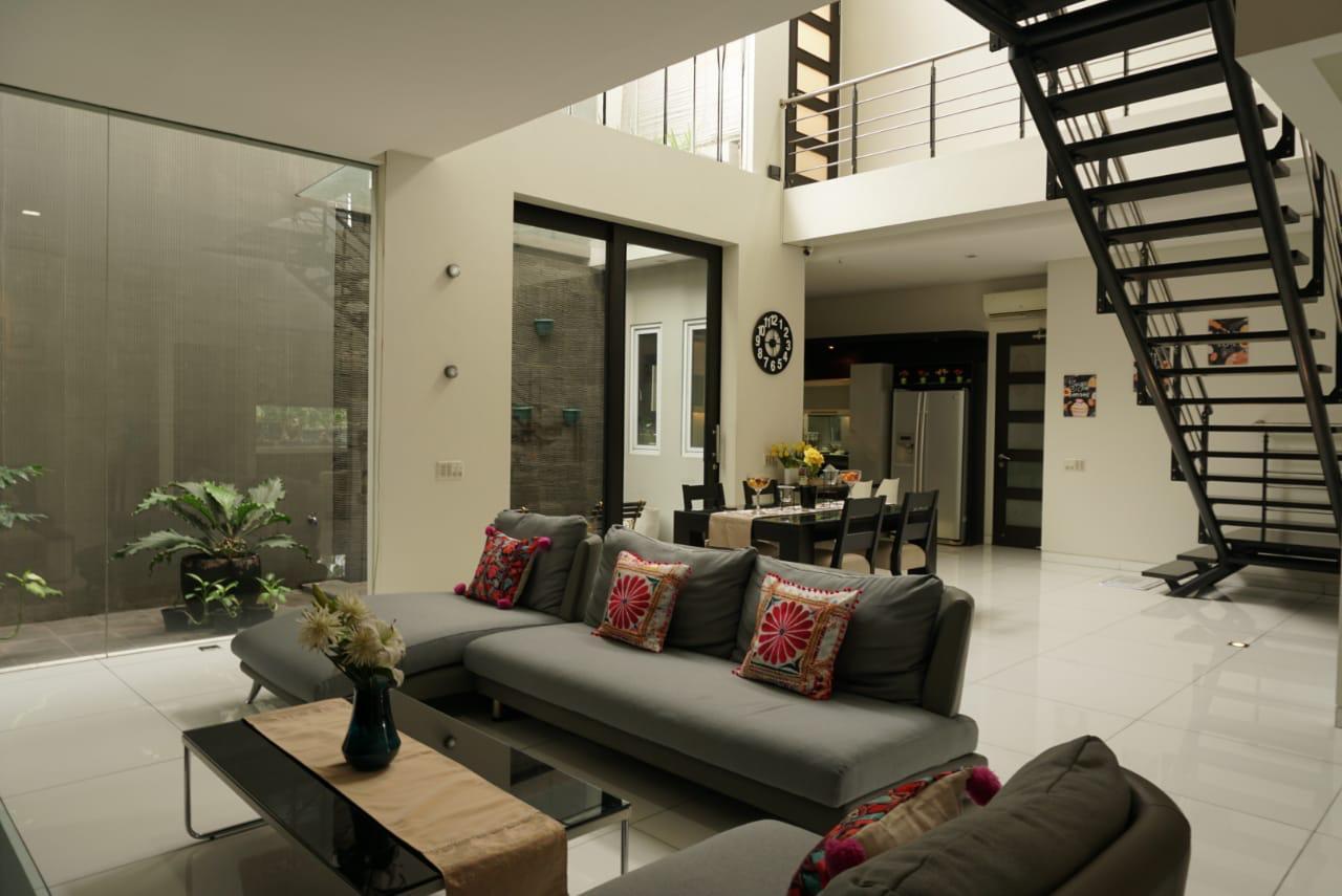 Rumah desain mewah modern di kemang